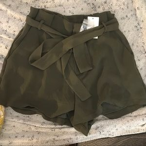 Beautiful olive green shorts NWT
